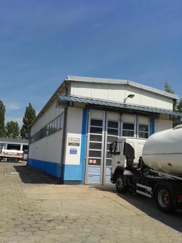 Przeglądy techniczne budynku warsztatowego w Płocku
